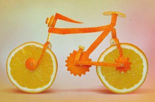 Bicicleta Naranja/ Orange Bicycle